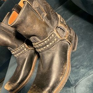 Harley Davidson 8M distressed boots